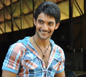 Aadi Stills in Rough