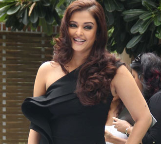 Aishwarya Rai Black Gown Photos