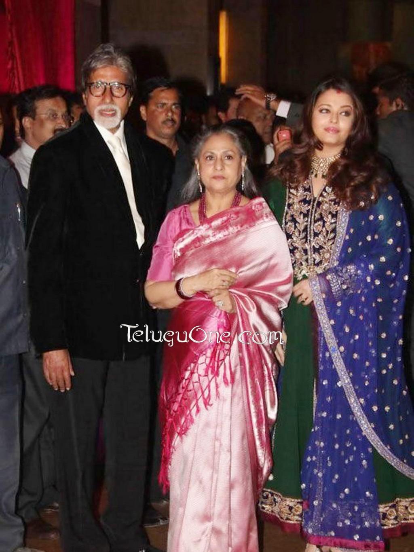 Aishwarya Rai Bachchan Criticised for Weight Gain after ... |Aishwarya After Baby Birth