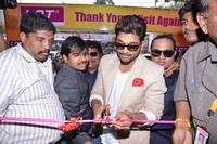 Allu Arjun Launches Lot Mobiles Showroom at VJA