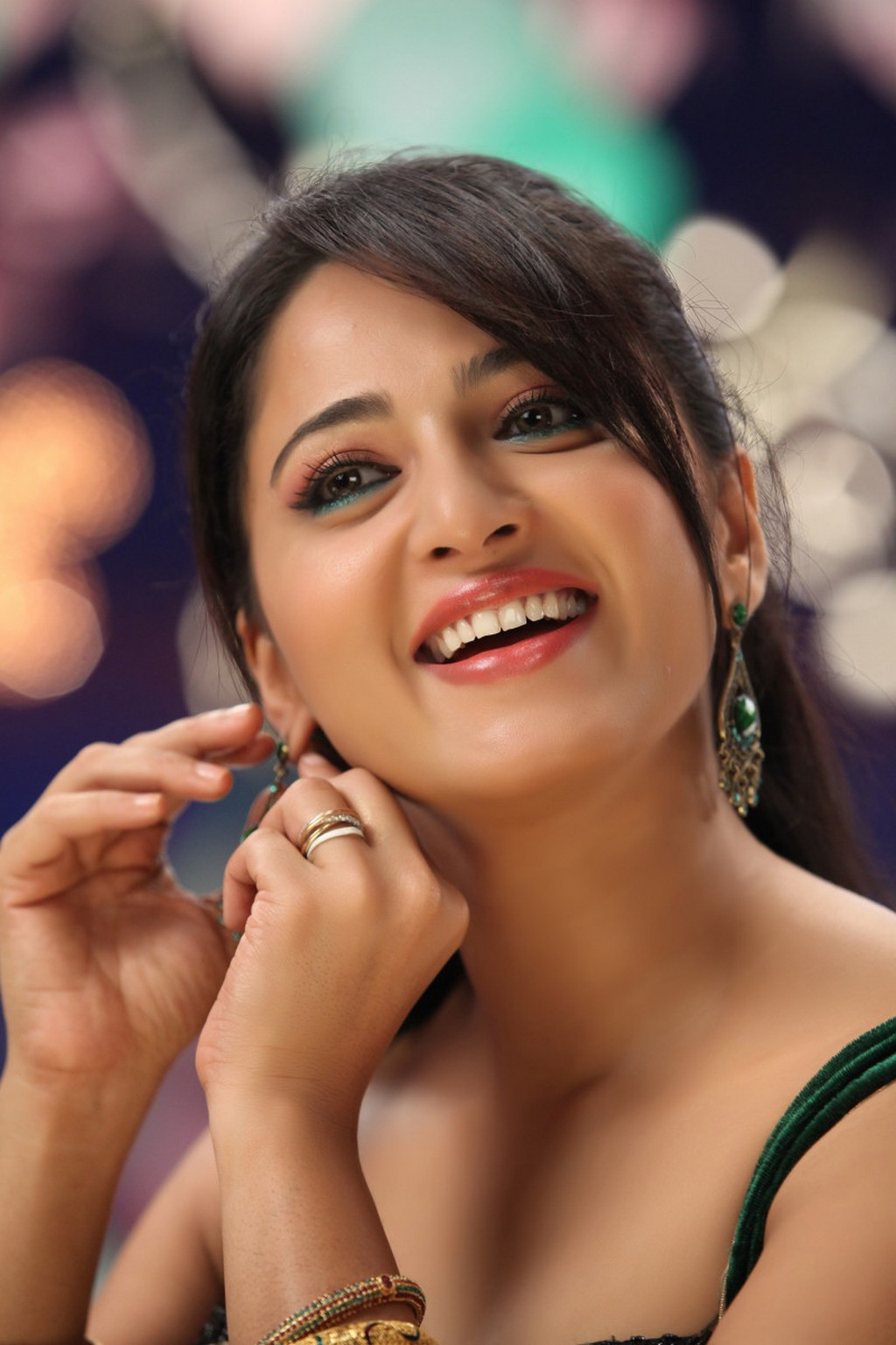 Anushka Shetty South Actress - New Stills