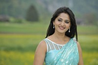 Anushka in Saree Photo Stills