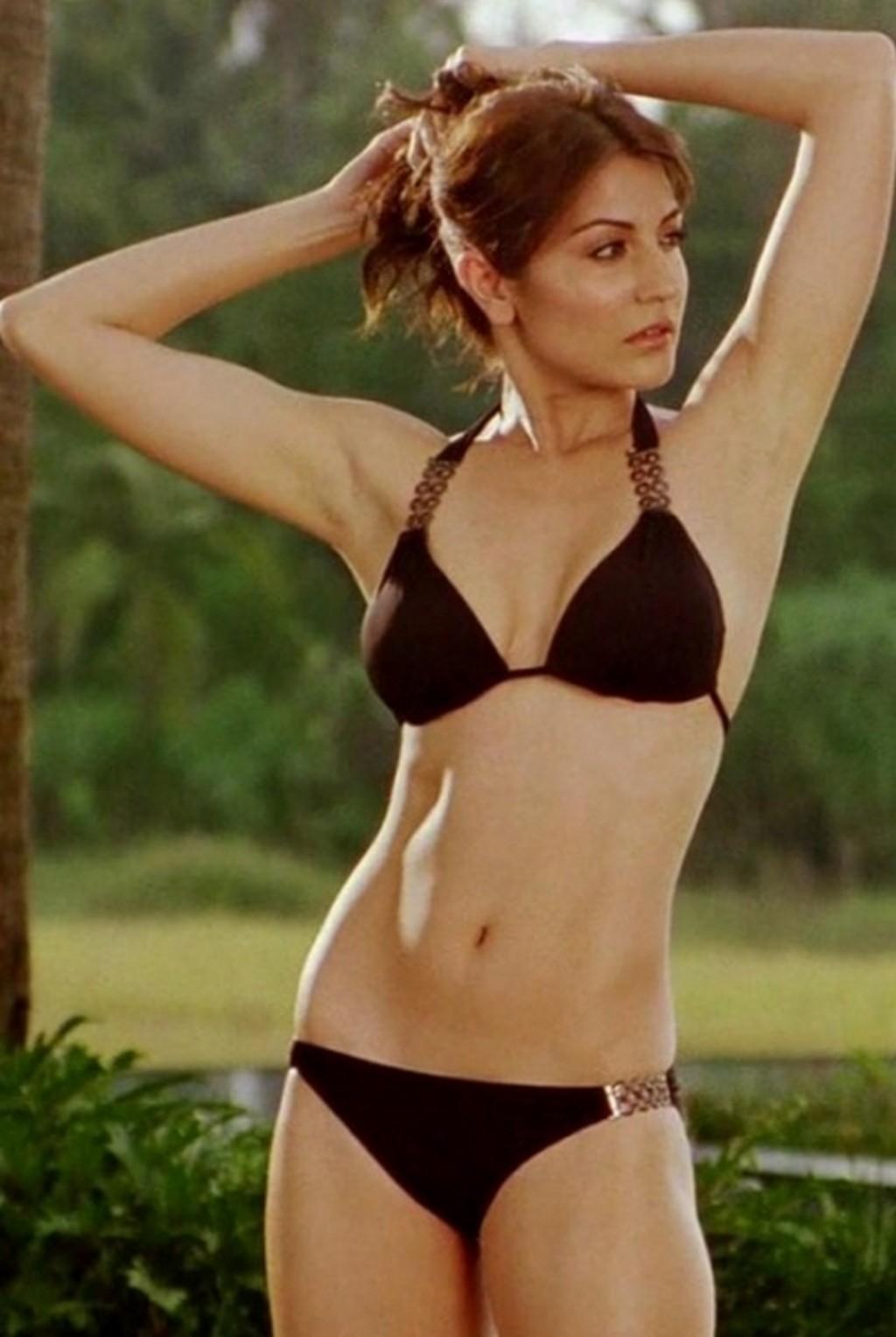 Sexy indian actresses in bikini