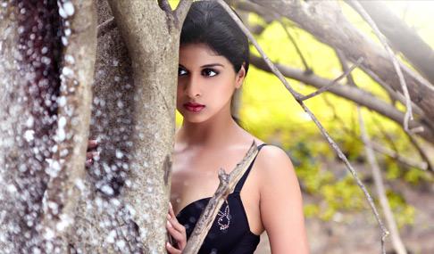 Naveena Hot