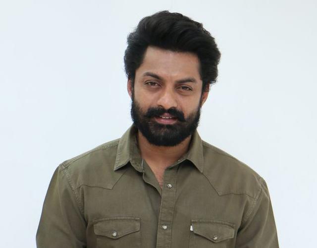 Kalyan Ram Entha Manchi Vadavura Interview
