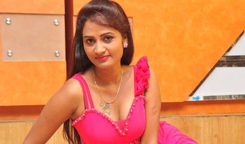 Kaveri Hot