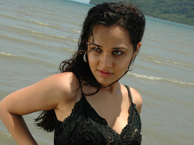 Nisha Kothari Latest Spicy Photos