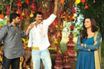 Poola Rangadu Working Stills
