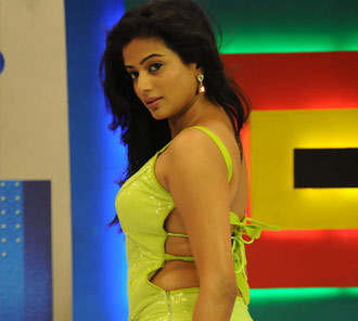Priyamani in Chandi