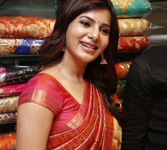 Samantha Red Saree Photos