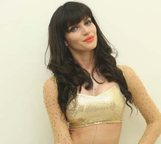 Scarlett Wilson Hot