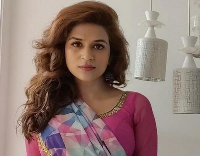 Shraddha Das Actress Gallery