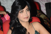 Shruthi Hassan at Yevadu Audio