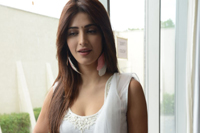 Shruti Hassan Latest Photo Pics