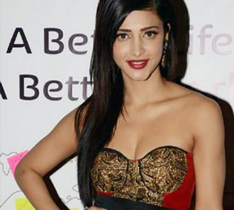 Shruti Hassan Stills At SIIMA