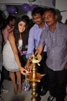 Tashu Kaushik Launches Naturals Family Salon
