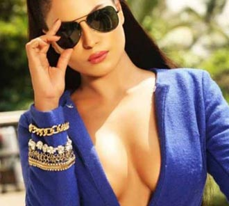Veena Malik Hot Photo Shoot Stills