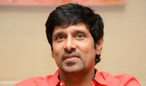 Vikram Stills in I Pressmeet