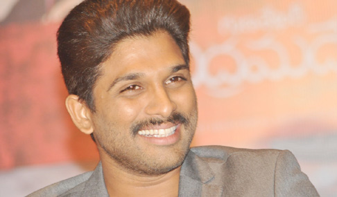 Allu Arjun Stills at Rudramadevi Press Meet