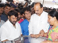 Balakrishna Pay Tributes to Chakri