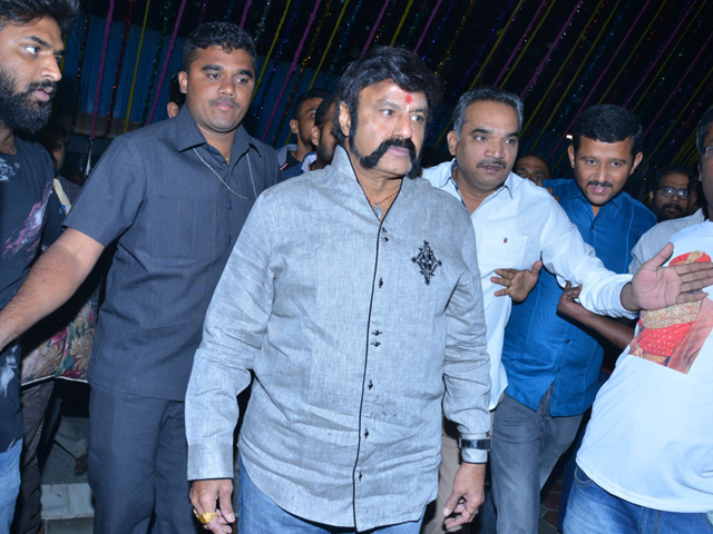 Balakrishna watches Gautamiputra Satakarni at Bramarambha theatre