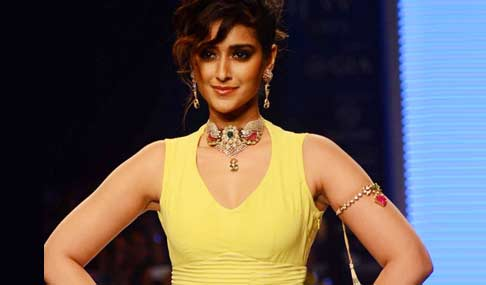 Ileana Walks The Ramp at IIJW 2015 Photos