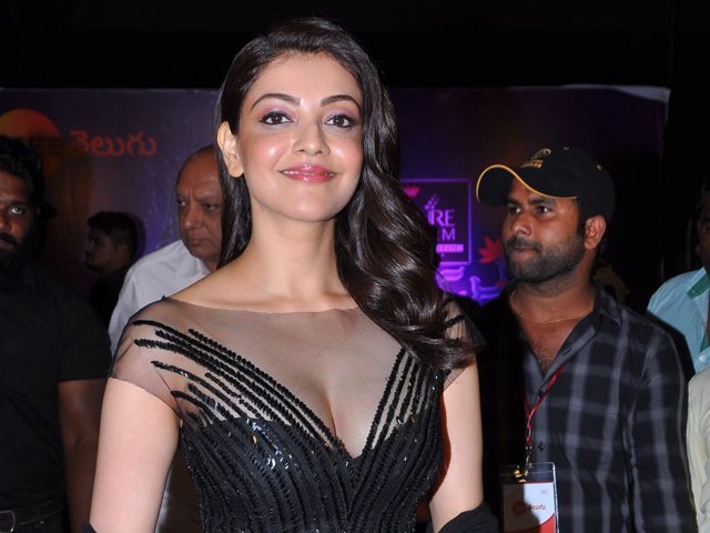Kajal Agarwal at Zee Telugu 2018 Apsara Awards