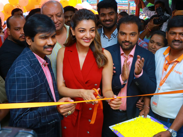 Kajal Launches Happi Mobiles Store In Hanamkonda
