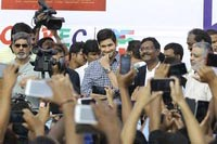 Mahesh Babu Flags off Chak De India ride by Hyderabad Bicycling Club