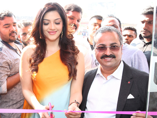 Mehreen Kaur Pirzada Launch B New Mobile Store In Adoni