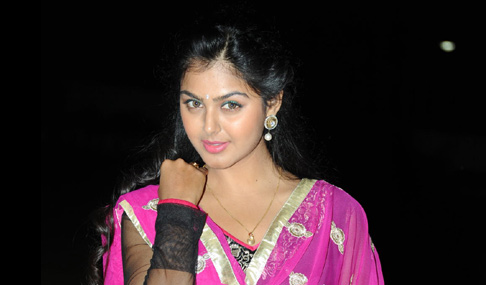Monal Gajjar Photo Pics