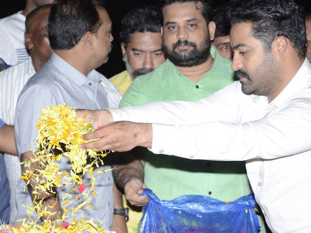JR NTR visits NTR Ghat on NTR Birth Anniversary