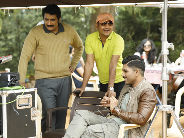 Naa Peru Surya Working Stills
