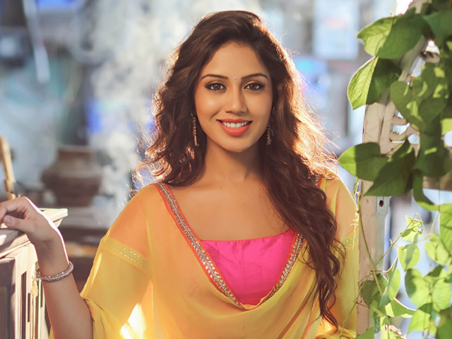 Nivetha Pethuraj Shares Screen With Puja Hegde