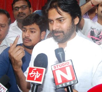 Pawan Kalyan Votes For 2014 Elections