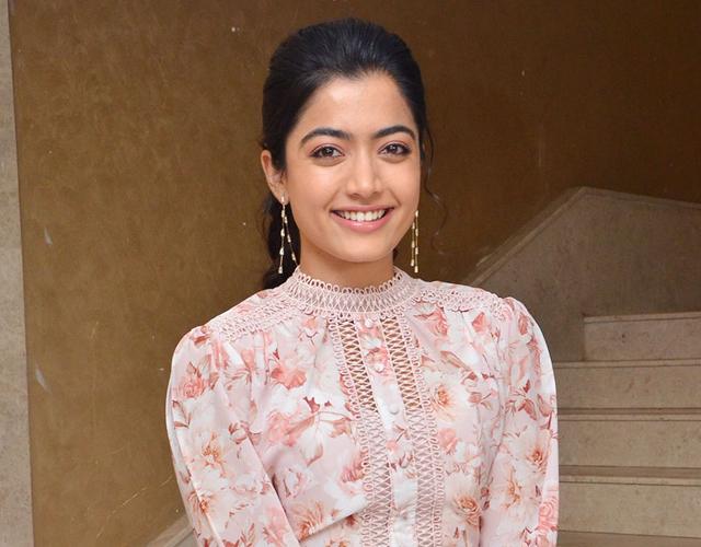 Telugu Actress Pics Telugu Actress Photos Telugu Actress Gallery Telugu Actress Wallpapers