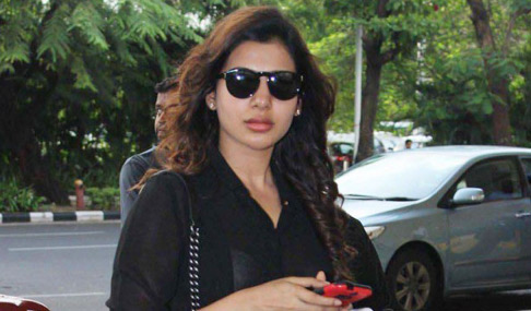 Samantha at Mumbai Airport Photos