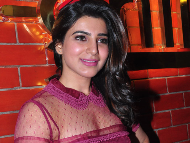 Samantha In Red Dress Photos