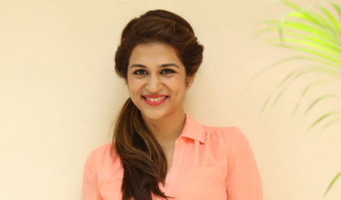 Shraddha Das Actress Gallery