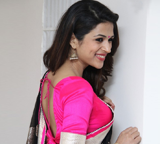 Shraddha Das Saree Photo Gallery