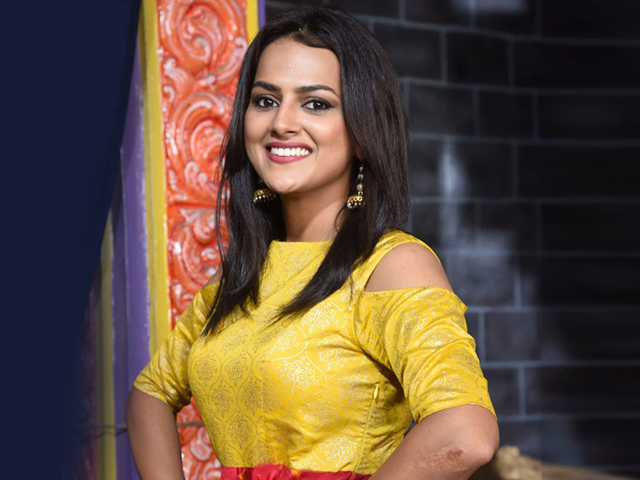 Shraddha Srinath Grabs Chance With Vishal