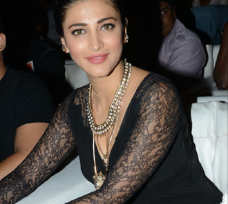 Shruti Haasan at Race Gurram Success Meet