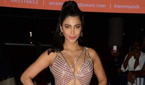 Shruti Haasan Hot Photos at SIIMA 2015 Awards