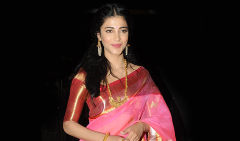 Shruti Haasan at Uttama Villain Audio Release