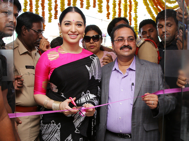 Tamanna Launch B New Mobile Store At Proddatur
