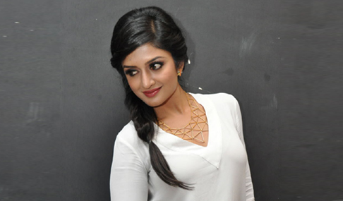Vimala Raman Stills At Kavvintha Audio