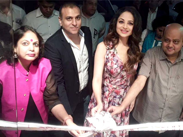 Zoya Afroz Inaugurated JASHN Pret Line Store