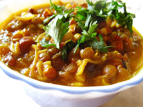 Mixed Sprouts Curry