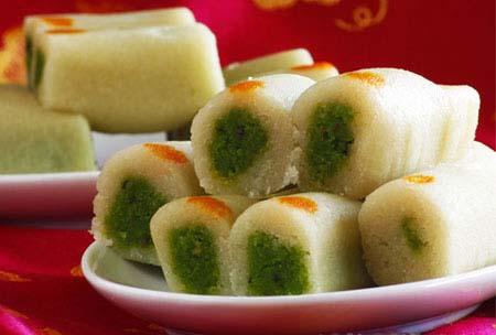 Special Kaju Pista Roll Recipe