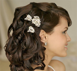 Quick Hairstyles get Our Valuable Minutes Are Wasted Standing Infront Of The Wardrobe Deciding What To Wear Here Are A Few Hair Styles That